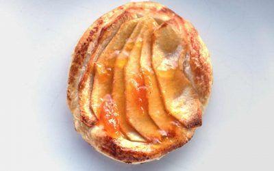 Tartaletas de Hojaldre con Manzana y Crema Pastelera